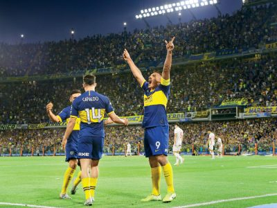 Boca Juniors Buenos Aires con iluminación de Thorn