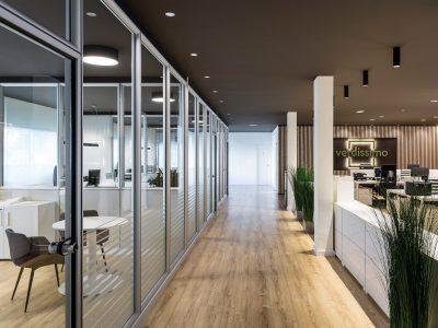 Oficinas Verdissimo iluminadas con Redo de Leds C4