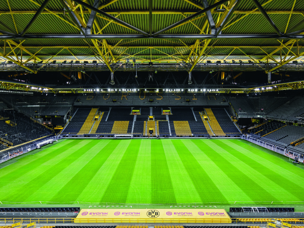 Zumtobel Group Illuminates Borussia Dortmund S Home Venue Luces Cei