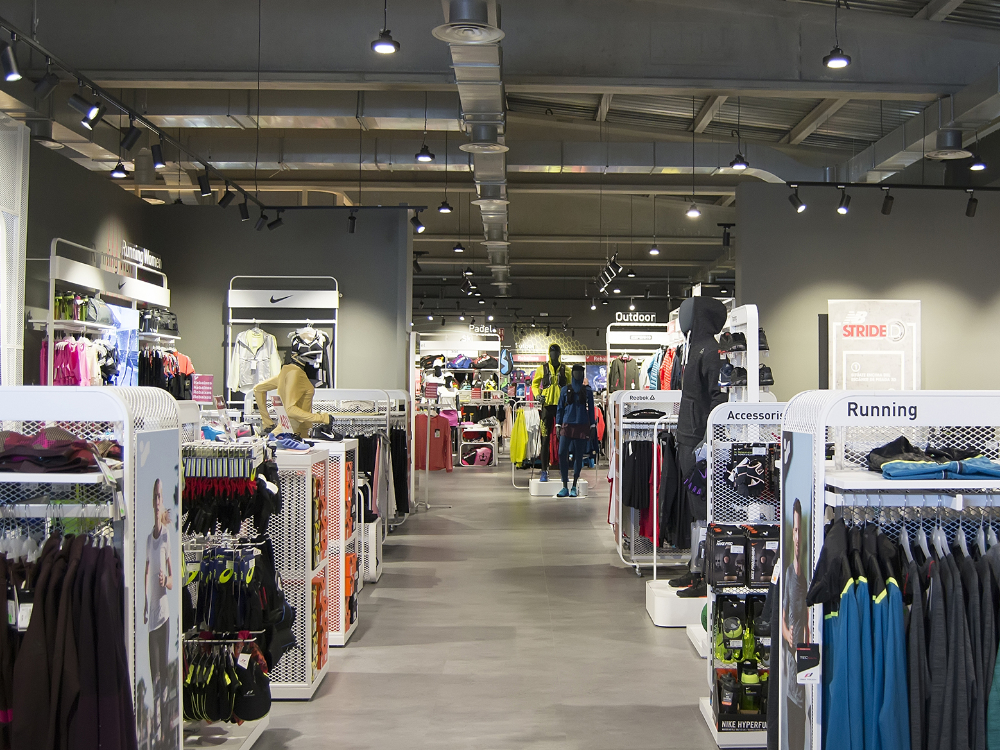 Intersport de Gavà con luz MCI