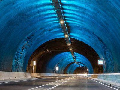 Tunel submarino de las Islas Feroe iluminado con Secom Iluminación