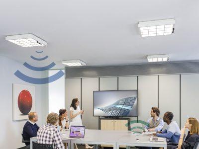 Sala de reuniones con iluminación Trulifi de Signify