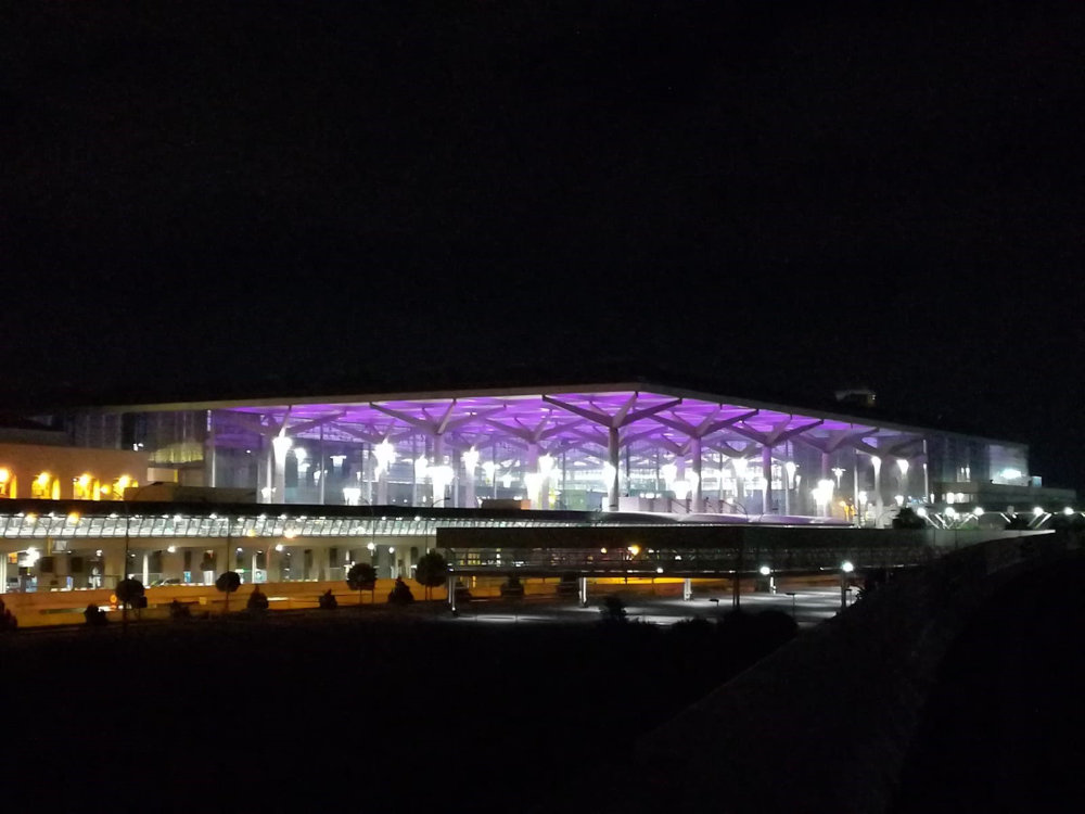 El aeropuerto de Málaga iluminado por Artesolar