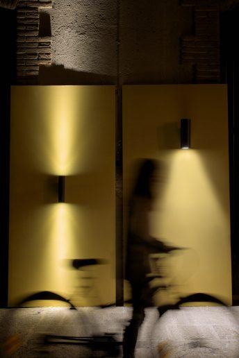 Lup de Lamp montado en pared