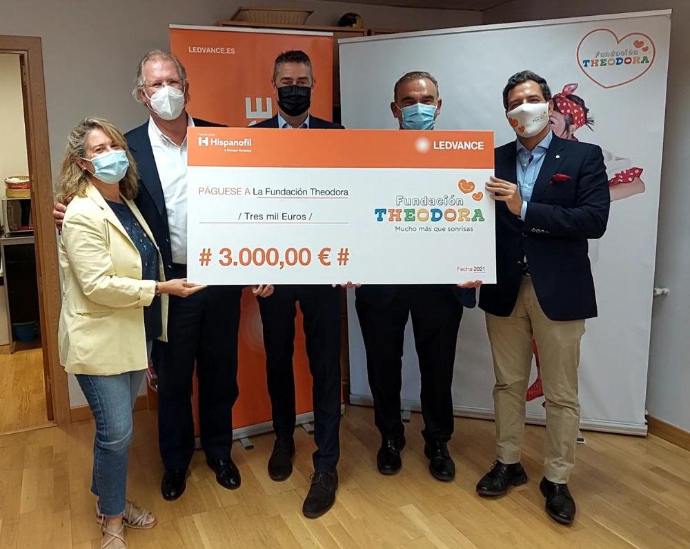 Ledvance y Sonepar Ibérica donan 3.000 euros a la Fundación Theodora en beneficio de los niños hospitalizados