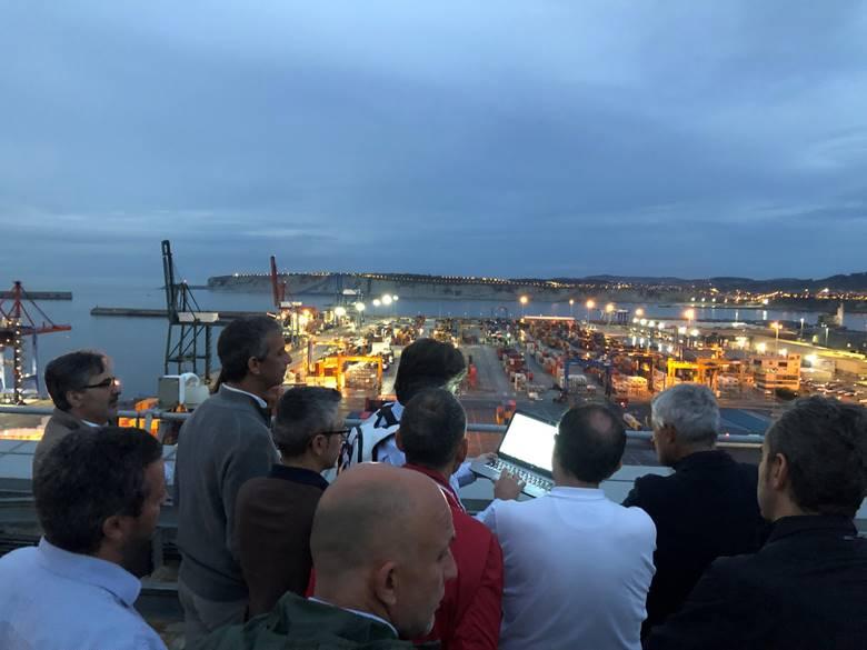 Demostración con los representantes de la Autoridad Portuaria de Bilbao.