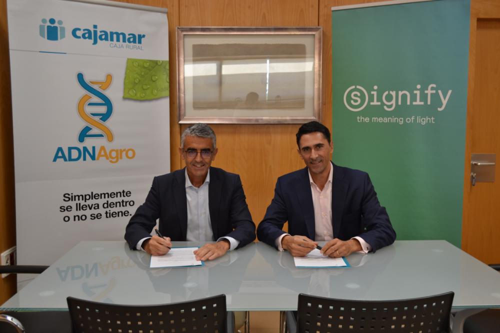 La Fundación Cajamar y Signify