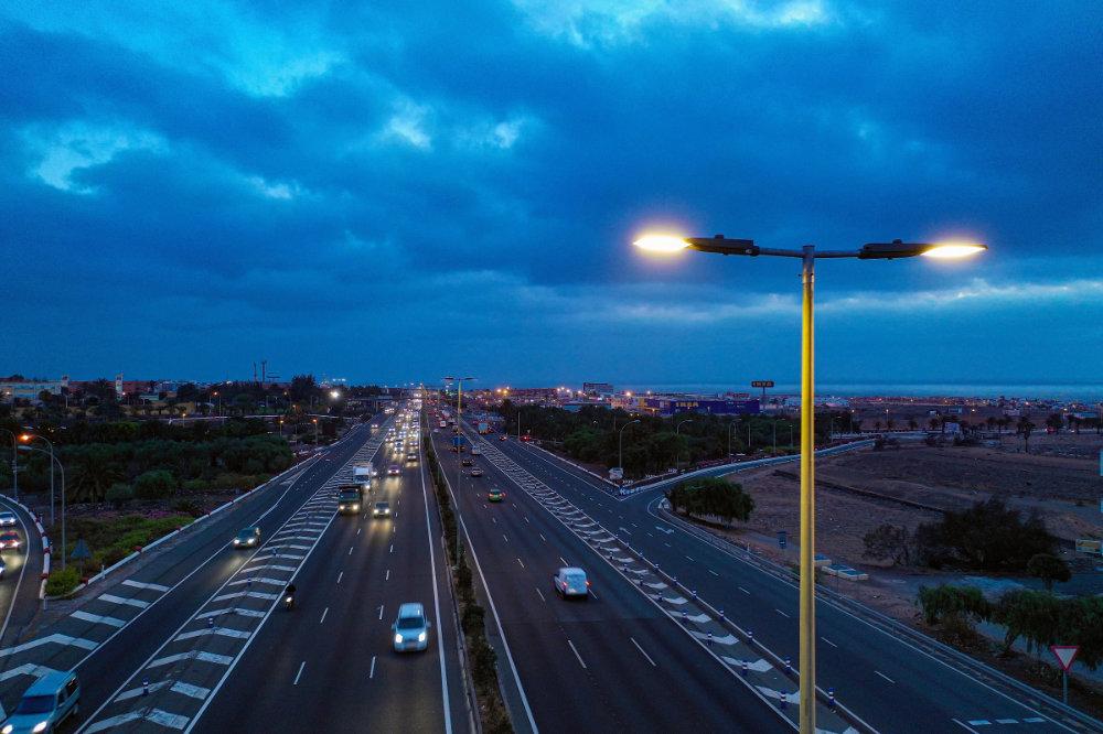 Gran Canaria instala el sistema Interact City de Signify en su autopista principal