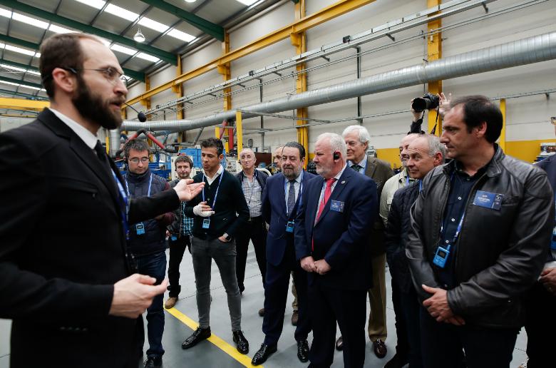 Redrado, durante la primera visita a fábrica
