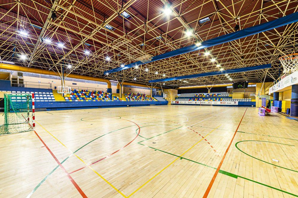 Interior del Patronato Deportivo de Guadalajara iluminado por Schreder